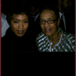Angela Bassett and I enjoy a brief chat.